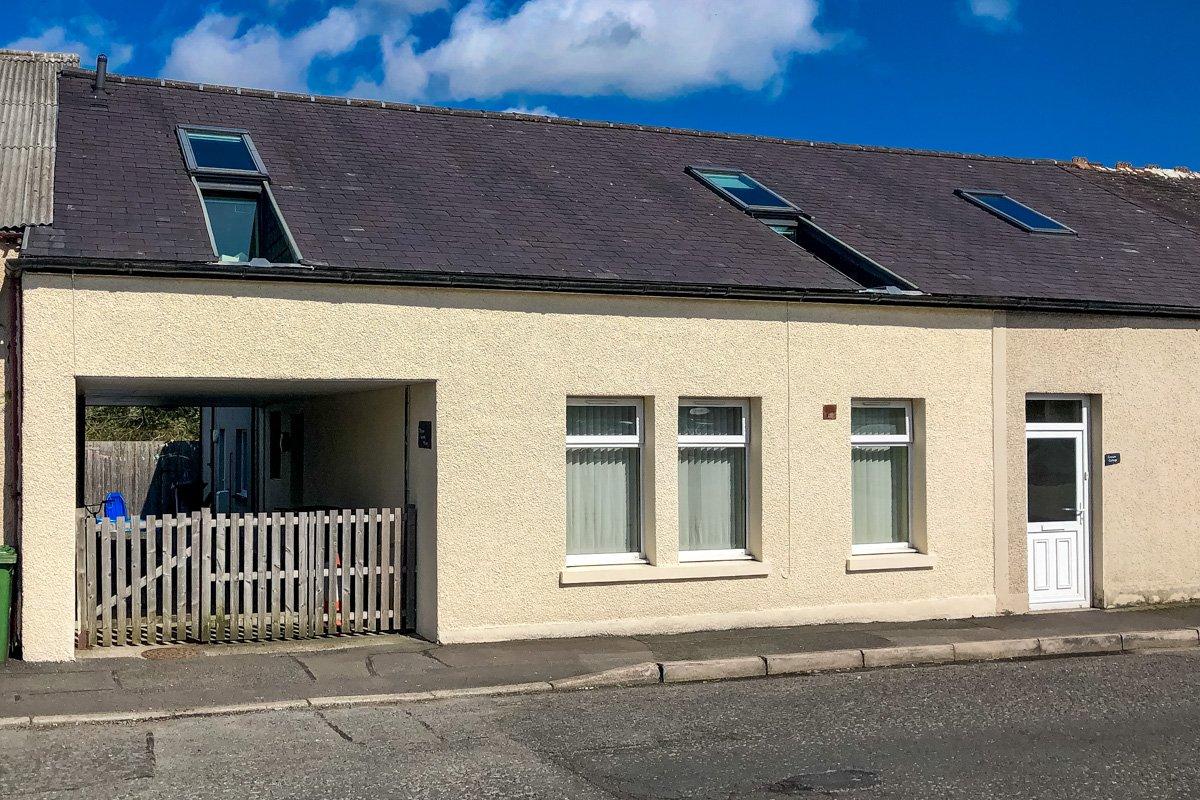 1 Crown Works Mews, 112 Queen Street Newton Stewart, Wigtownshire  DG8 6JW