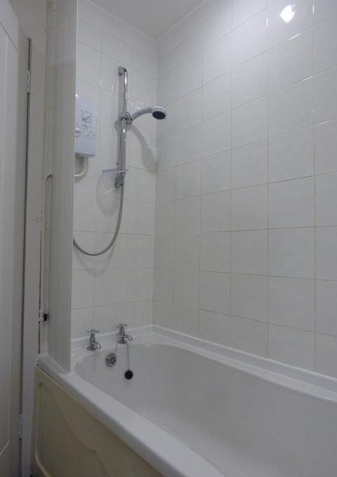 2 Doocot Terrace Bathroom View 2