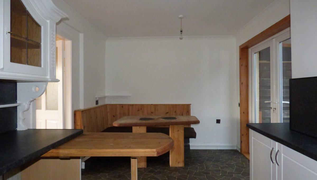 2 Doocot Terrace Dining Area