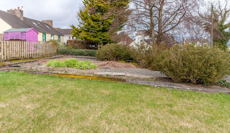 28 Bank Street - Garden Ground view 2