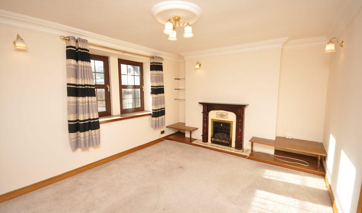 39 Main Street - Living Room