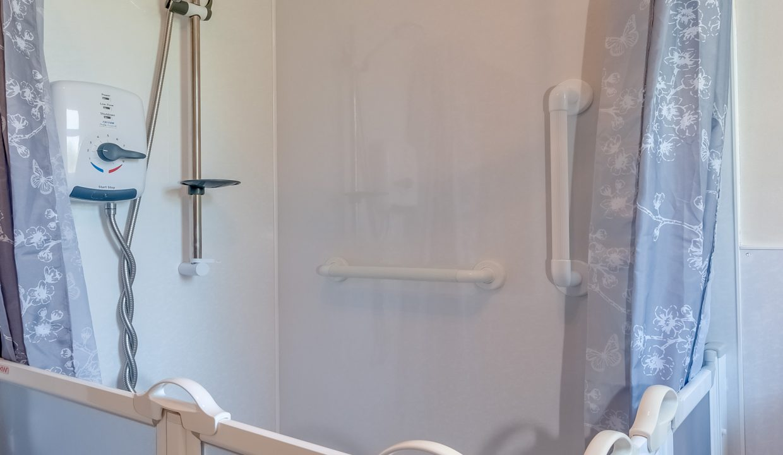 4 Cree Houses Millcroft Road Minnigaff Shower Room View 2