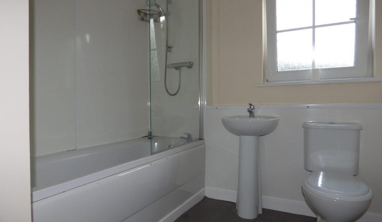 5 Creemills Walk - Bathroom