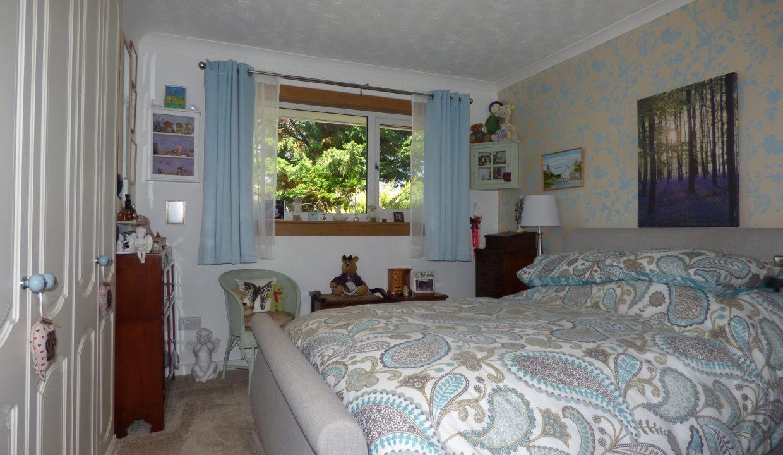 6 silver st - Bedroom