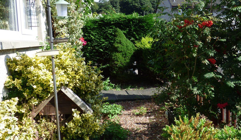 6 silver st - Garden View 4