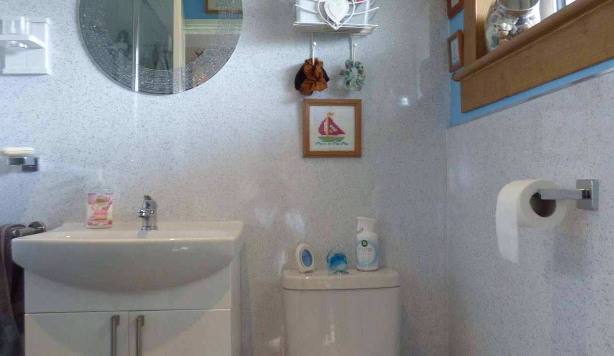6 silver st - Wet Room view 1