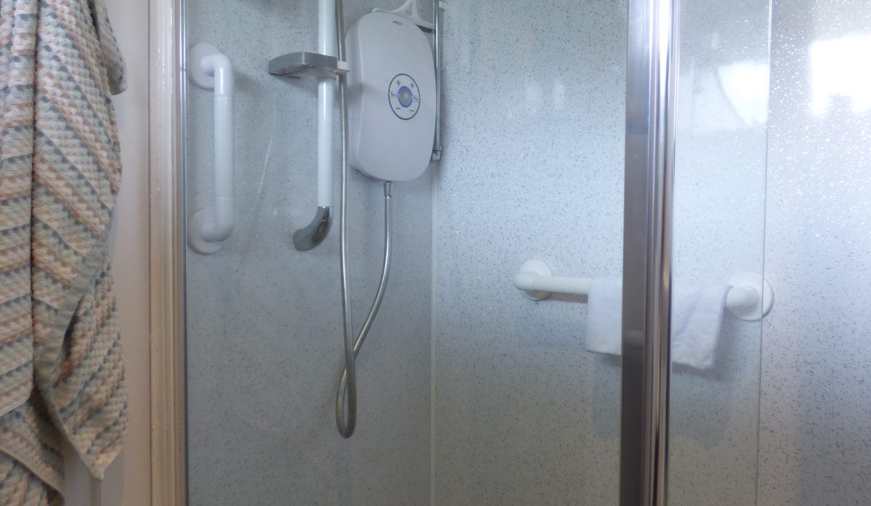6 silver st - Wet Room view 2