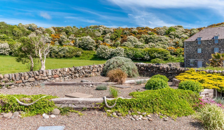 Caladh Phorst - Garden View 2