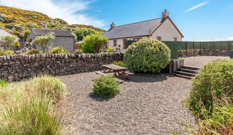 Caladh Phorst - Garden view 3