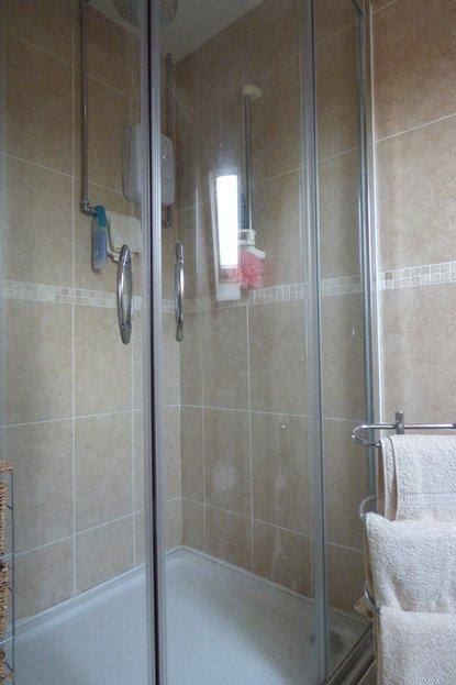 White Rose Croft - Shower room view 1