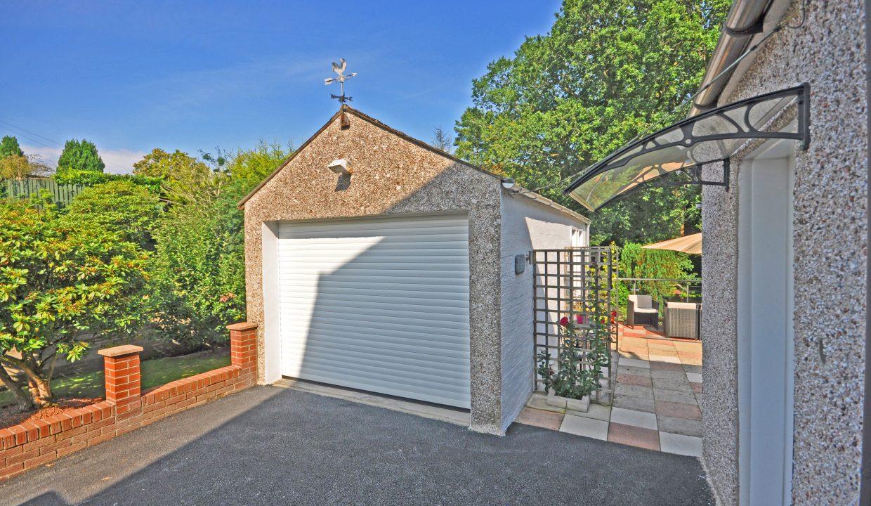 detatched garage